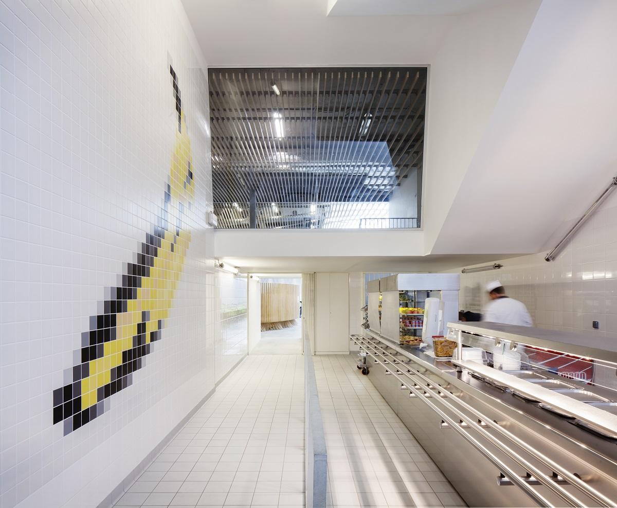 distribution cuisine lycée la Bruyère